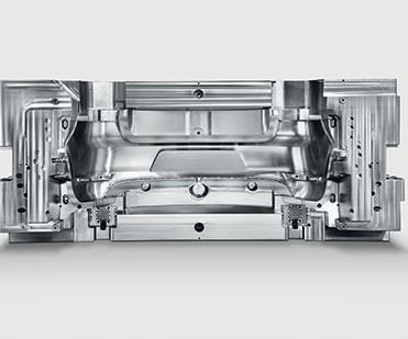 Free geometrical orientation with five-axis machining